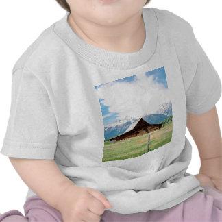 Granero mormón camisetas