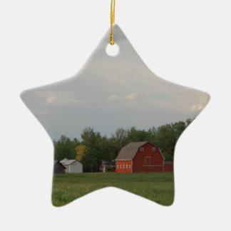Granero rojo adorno navideño de cerámica en forma de estrella