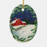 Granero rojo en el ornamento del navidad de la ornamento para arbol de navidad