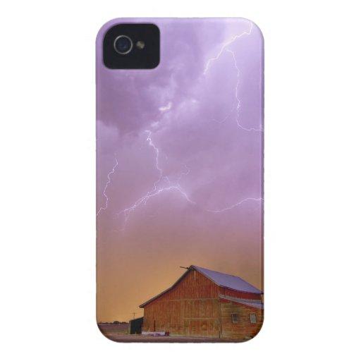 Granero rojo en una granja y qué una vista hermosa iPhone 4 Case-Mate cobertura