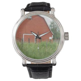 Granero rojo grande reloj de mano