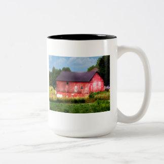Granero rojo intrépido grande taza de café de dos colores