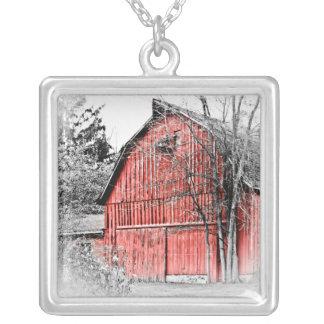 Granero rojo magnífico collares personalizados