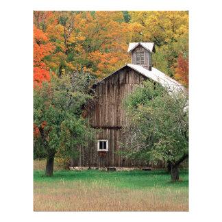 Granero rústico el condado de Leelanau Michigan de Membrete