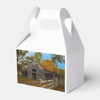 Granero viejo caja para regalo de boda