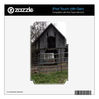 Granero viejo de la granja calcomanías para iPod touch 4G