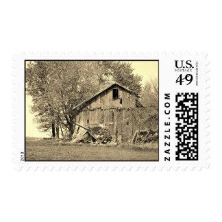 Granero viejo en el franqueo rural de Ohio Estampilla