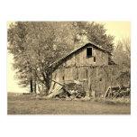 Granero viejo en la postal rural de Ohio