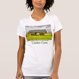 Granero voladizo de la ensenada de Cades en el lug Camisetas