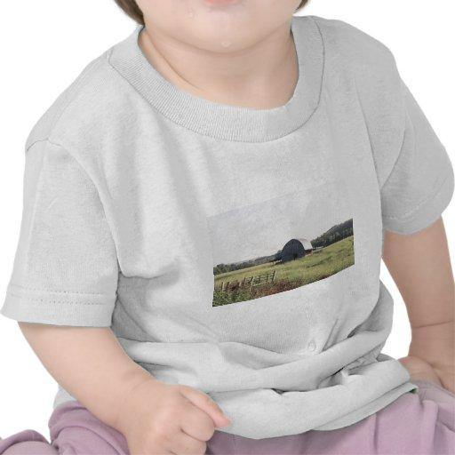 Granero y tierras de labrantío de Arkansas Camiseta