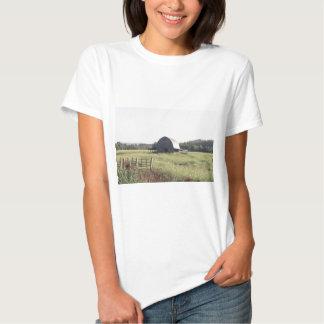 Granero y tierras de labrantío de Arkansas Polera