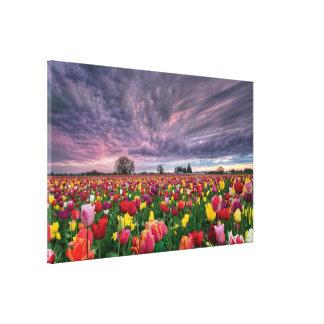 Granja del tulipán en lona de la estación de prima impresión en lienzo