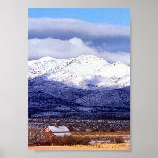 Granja en las montañas Idaho de Owyhee Impresiones