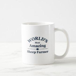 Granjero asombroso de las ovejas del mundo taza básica blanca
