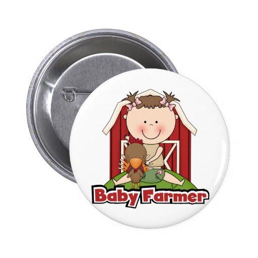 Granjero de bebé con las camisetas y los regalos d pin redondo 5 cm