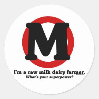Granjero de lechería de la leche cruda pegatina redonda