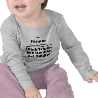 Granjero triple de la bebida camiseta
