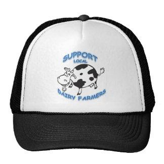 Granjeros de lechería locales de la ayuda gorras