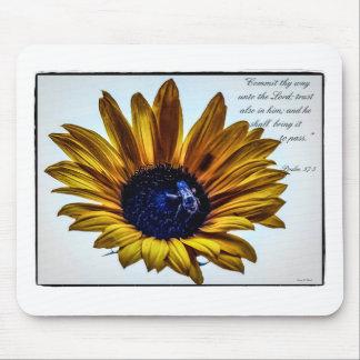 grannys-sunflower mouse pad