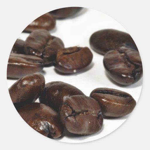 Granos de café asados oscuridad pegatina redonda