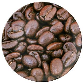 Granos de café asados platos de cerámica