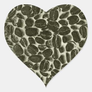 granos de café del cacao pegatina en forma de corazón