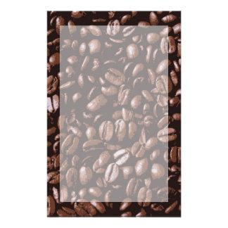 Granos de café deliciosos frescos de Brown Papelería De Diseño