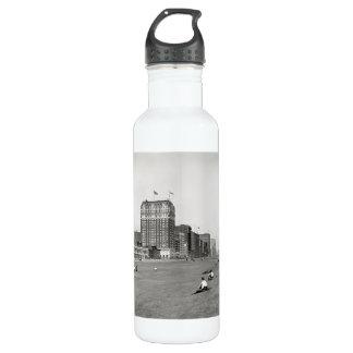 Grant Park Chicago Illinois in 1910 24oz Water Bottle