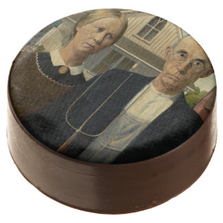 GRANT WOOD - American gothic 1930 Chocolate Dipped Oreo