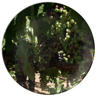 Grapes on Vine Decorative Plate