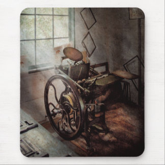 Graphic Artist - The humble printing press Mouse Pad