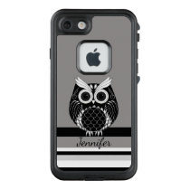 Graphic owl on striped background LifeProof FRĒ iPhone 7 case