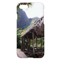 Grass Hut in Iao Valley State Park, Maui, Hawaii iPhone 8/7 Case