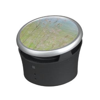 Grasses in motion bluetooth speaker