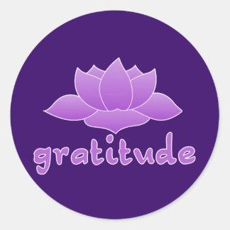 Gratitud con Lotus violeta Pegatina Redonda