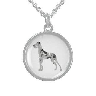 Grautiger Doggensilhouette Round Pendant Necklace