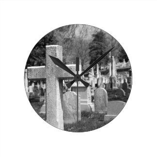 graveyard round clock