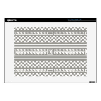 """Gray And White Houndstooth With Spirals 15"""" Laptop Decal"""