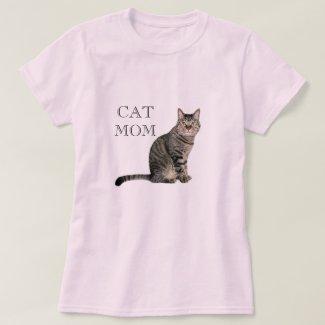 Gray Tabby Cat Mom Pink T-Shirt