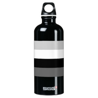 Grayscale line pattern water bottle