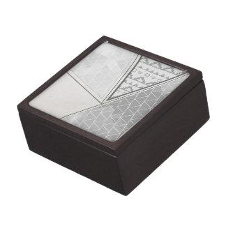 Grayscale tribal del modelo del triángulo caja de joyas de calidad