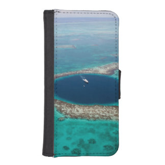 GREAT BLUE HOLE 1 iPhone 5 WALLET CASES