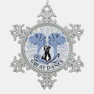 Great dane afilado adorno de peltre en forma de copo de nieve