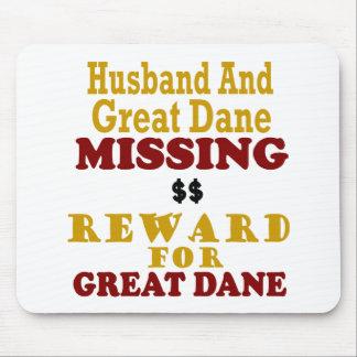 Great dane y recompensa que falta del marido por g tapetes de raton