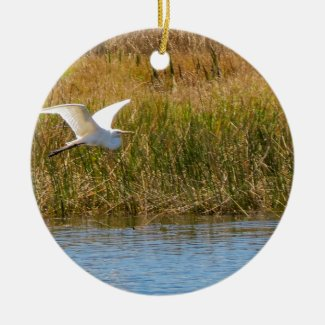 Great Egret in Flight Ceramic Ornament