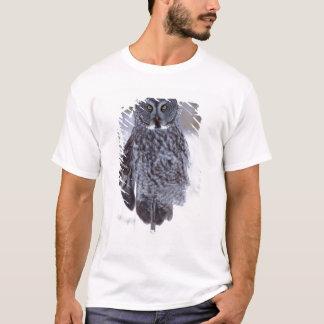 Great Gray Owl near Pine City MN, T-Shirt