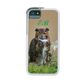 Great Horned Owl and Flowers Customizable Monogram iPhone SE/5/5s Cover