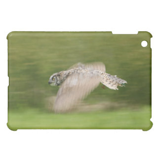 Great Horned Owl (Bubo virginianus) iPad Mini Covers