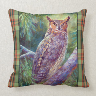 Great Horned Owl in an Eastern Forest Throw Pillow