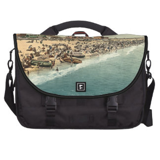 Great Yarmouth Beach and Revolving Tower Norfolk Laptop Messenger Bag